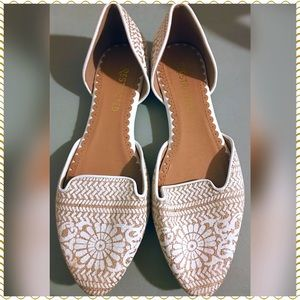 NWOT Restricted White and Gold Sandals | Loafers